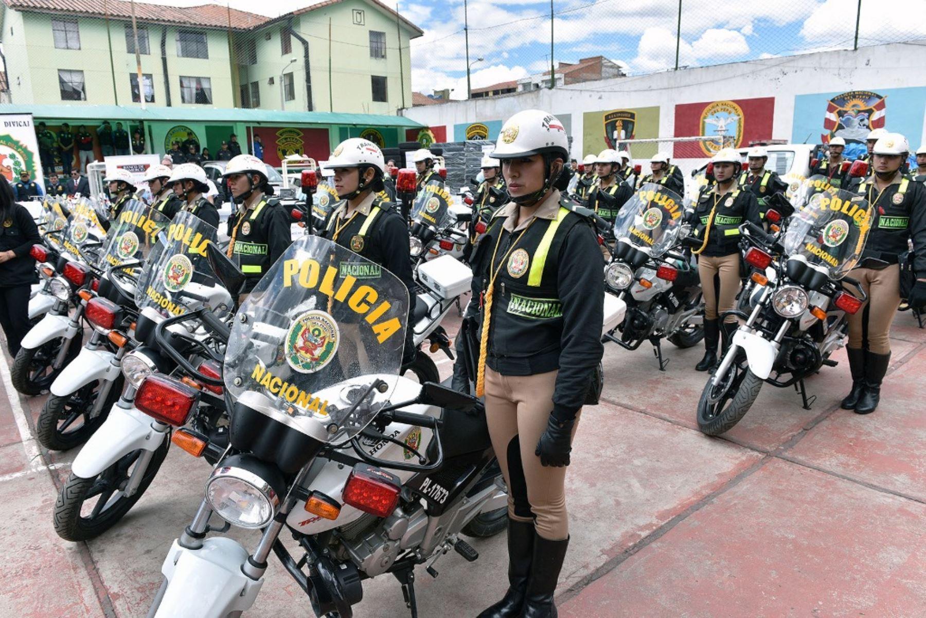 La reforma policial iii lampadia for Ministerio interior y policia