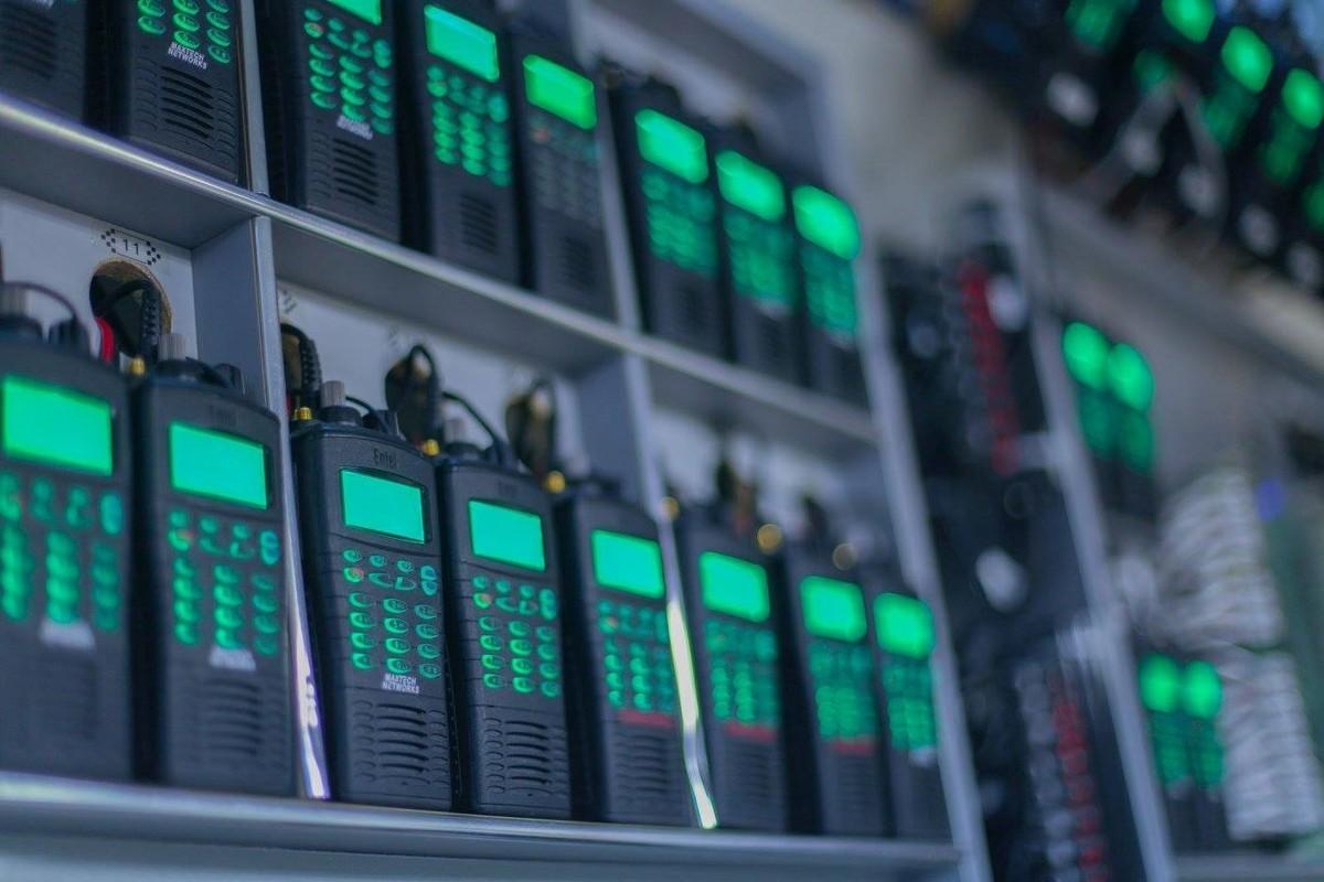 35a17e94d7e En total, se usaron 19 dispositivos para dotar de comunicación entre el  grupo atrapado en la cueva y el exterior. Cada dispositivo contaba con 10  horas de ...